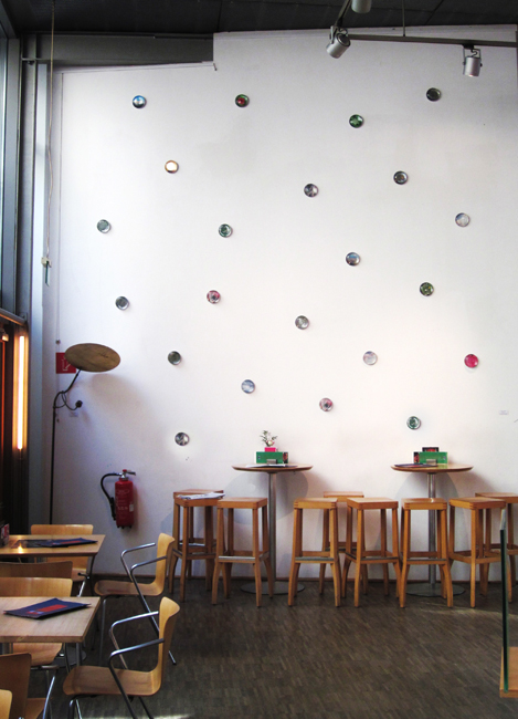 1b,-kosmos,-Installation-im--Cafe-Stanton-Koeln,-2012-Kopie